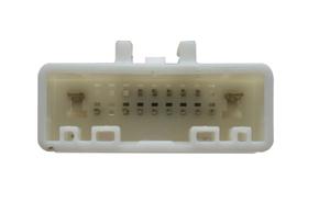 Adaptér pro ovládání na volantu SUBARU - detail konektoru