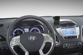 Konzole pro navigace HYUNDAI ix35 - umístění v automobilu