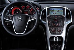 Opel Astra J - interiér