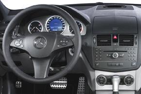 Mercedes C-klass [W204] (07->) - interiér