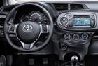 Toyota Yaris_2012 - interiér
