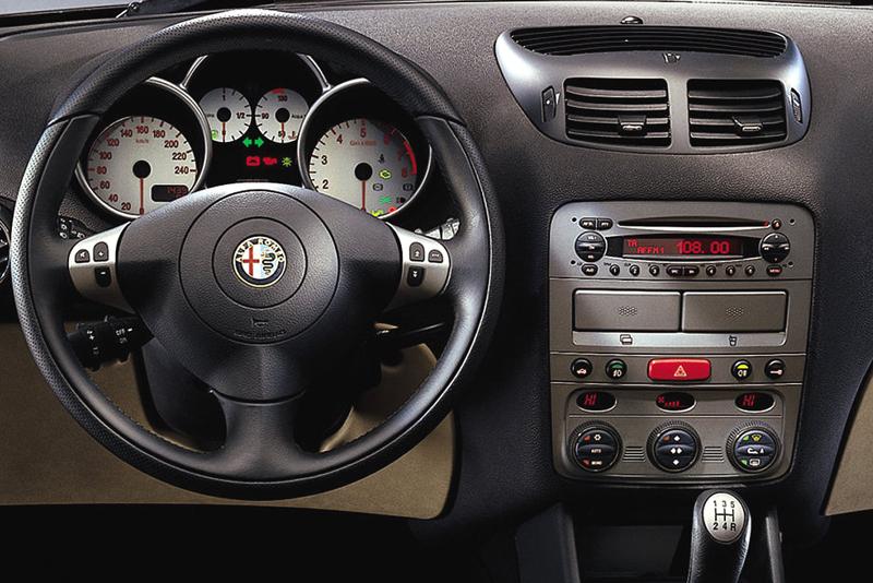 Rámeček 1DIN autorádia Alfa 147, GT