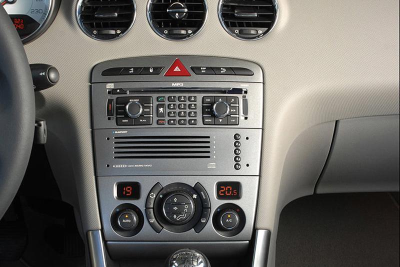 Rámeček autorádia 2DIN Peugeot 308
