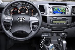 Toyota Hilux 2012 - interiér