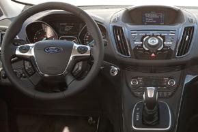 Ford Kuga II. (2013->) - interiér