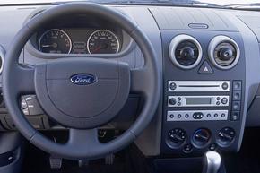 Ford Fusion 2002-2005 s autorádiem Visteon 4500 - interiér