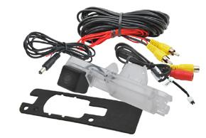 CCD parkovací kamera Mitsubishi L200 - obsah balení