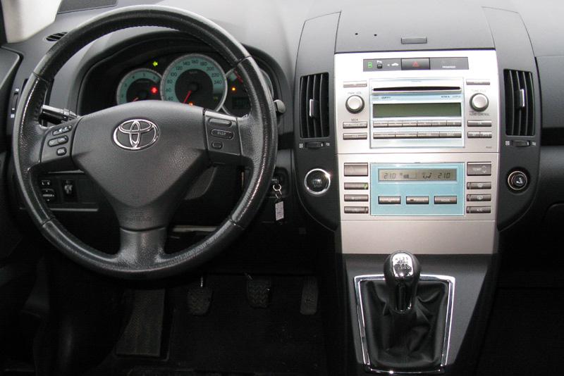 Rámeček autorádia Toyota Corolla Verso