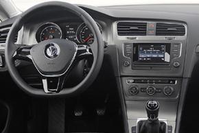 VW Golf VII. - interiér