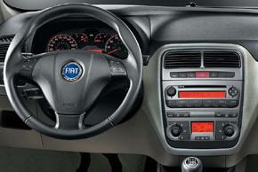 Fiat Grande Punto (05-10) interiér s OEM (originálním) autorádiem
