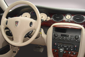 Rover 75 - interiér s OEM autorádiem