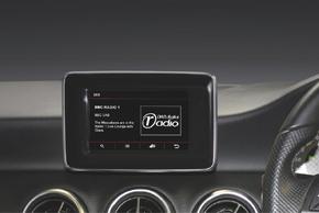 Adaptiv DAB modul - zobrazení v automobilu