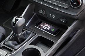 Inbay® Qi nabíječka Hyundai Tucson II. - instalace v interiéru