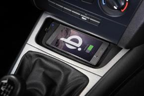 Inbay® Qi nabíječka BMW 1 - instalované v automobilu