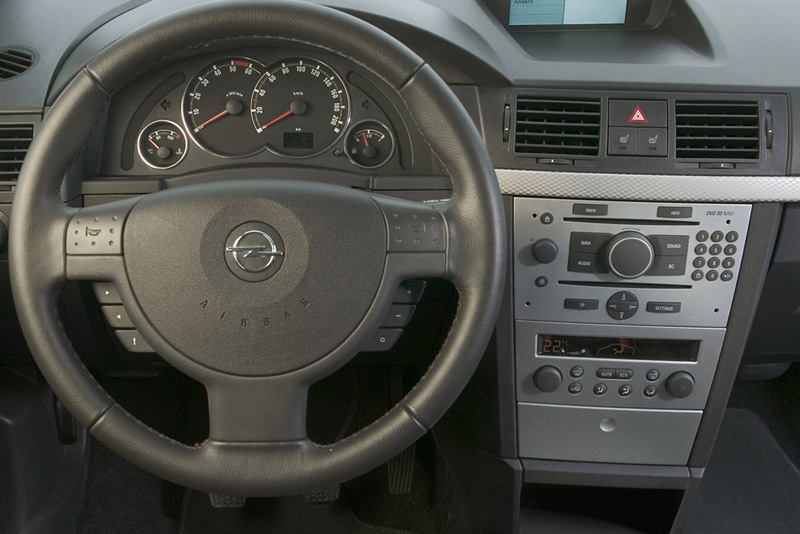Rámeček autorádia 2ISO Opel Corsa / Astra