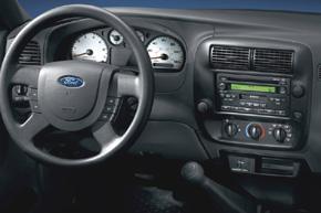 Rámeček autorádia Ford Ranger / Mazda B - interiér s OEM autorádiem