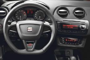 SEAT Ibiza (08->) - interiér s OEM autorádiem