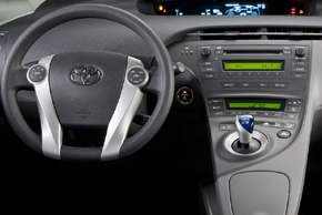 Toyota Prius (09-12) interiér s OEM autorádiem