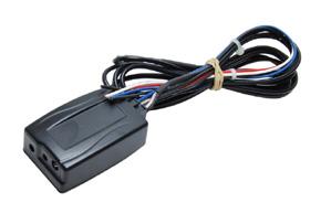 Univerzální adaptér pro ovládání na volantu