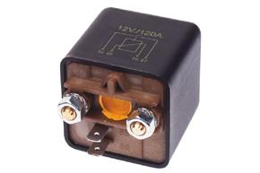 Relé pro připojení baterie